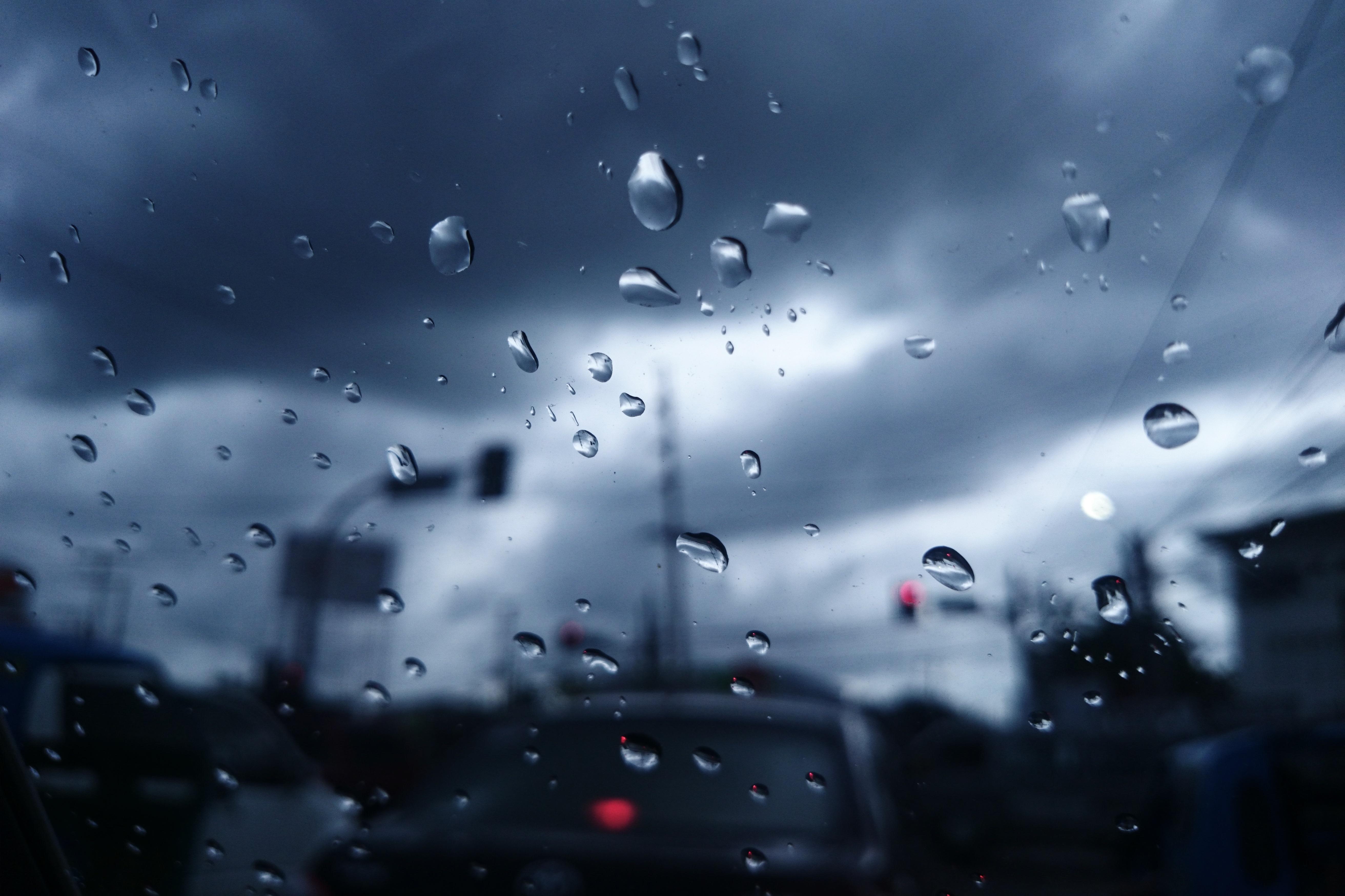 основе картинки на телефон пасмурная погода чего начал проявлять